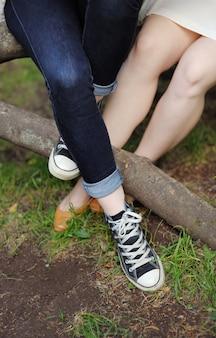 Closeup, foto, de, femininas, pernas, ao ar livre