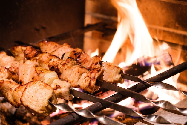 Closeup kebab de peru na grelha