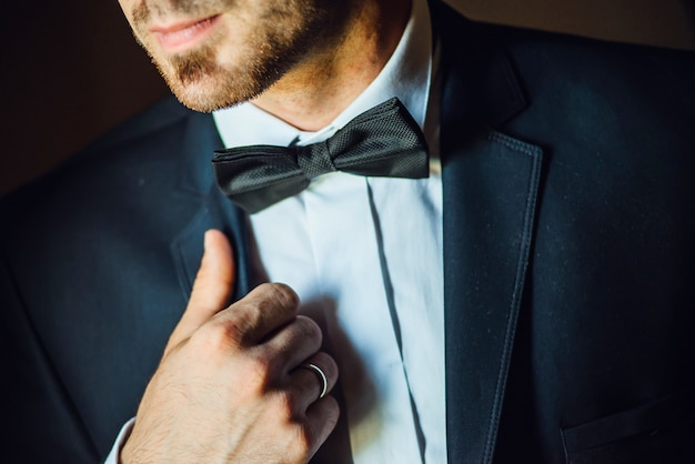 Closeup noivos casamento terno