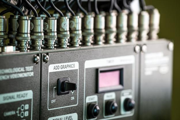 Closeup painel verde do equipamento de televisão