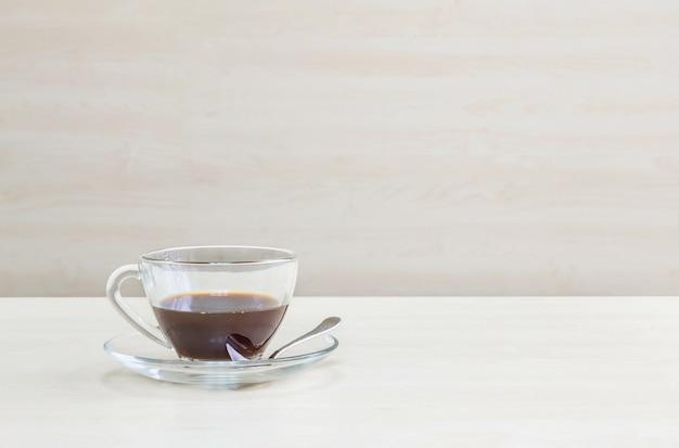 Closeup preto café na mesa