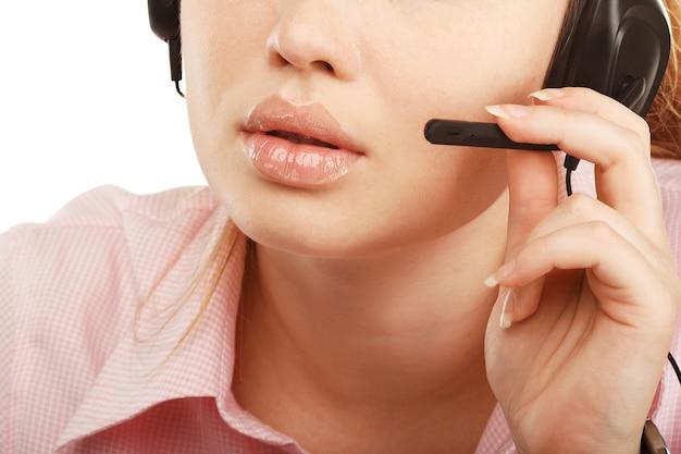 Closeup retrato de uma representante de atendimento ao cliente ou funcionária do call center
