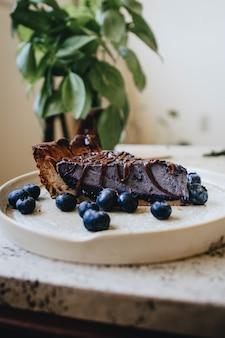 Closeup tiro de um delicioso bolo de mirtilo