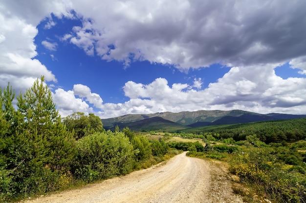 Cloudscape na montanha