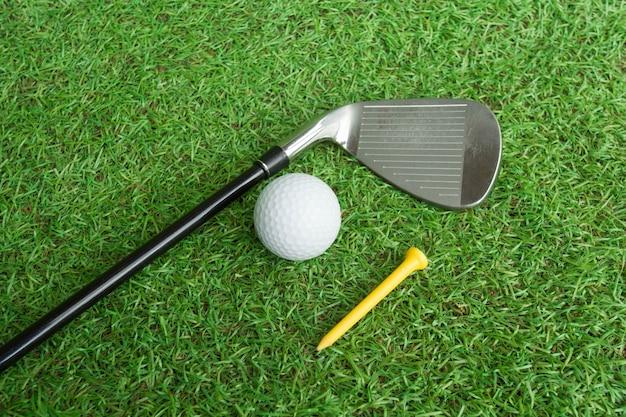 Clube golfe, e, bola golfe, em, capim
