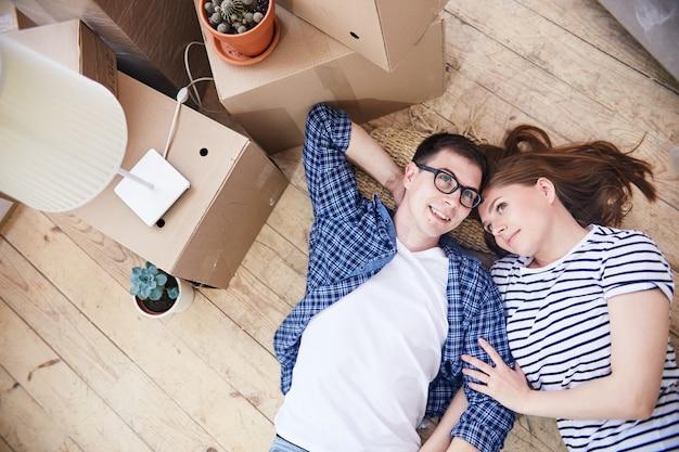Coabitação há muito esperada do jovem casal