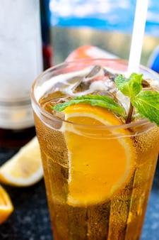 Cocktail à beira da piscina