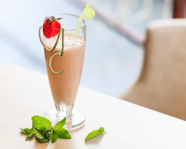 Cocktail de leite com morango