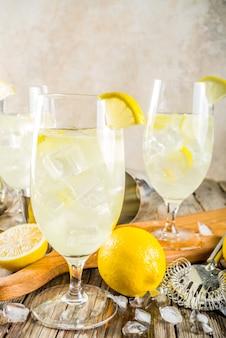 Cocktail de spritz francês em st germain