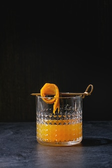 Cocktail de uísque laranja