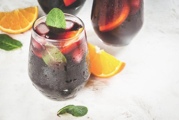 Cocktail tradicional espanhol tinto de verano