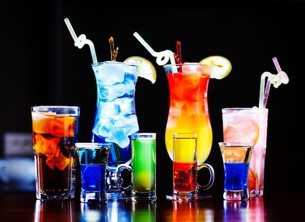 Cocktails coloridos