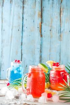 Cocktails tropicais de verão
