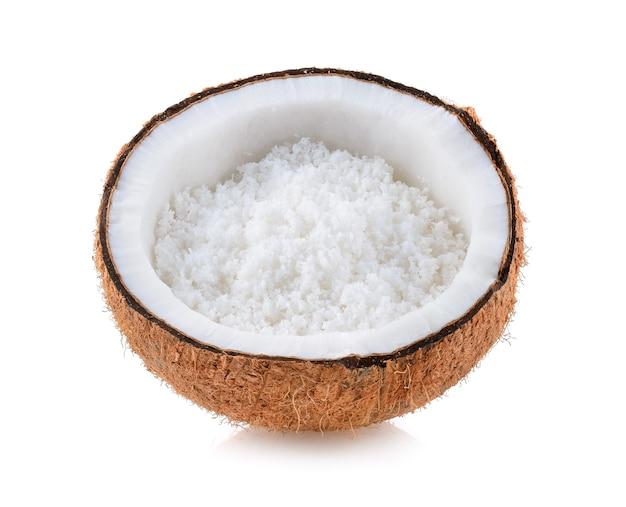 Coco com flocos de coco isolado