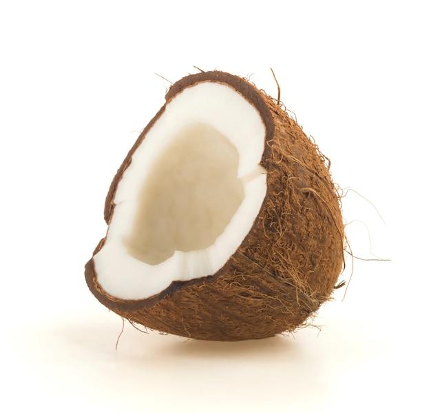 Coco cortado ao meio