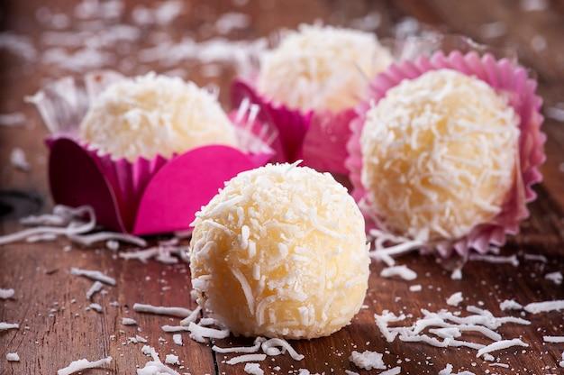 Coconut gourmet brigadeiro. doce típico brasileiro.
