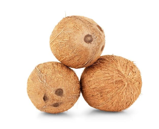 Cocos isolados no fundo branco