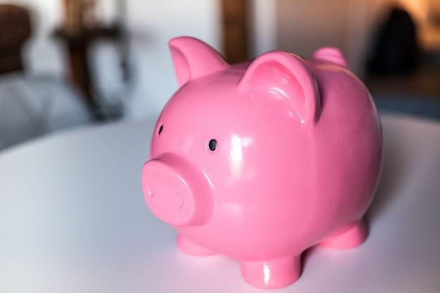 Cofrinho rosa de poupança