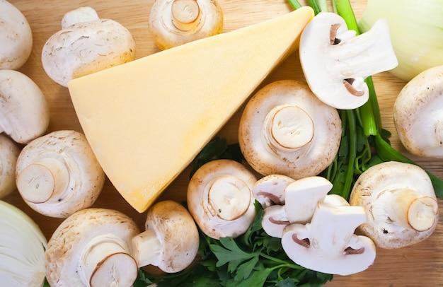 Cogumelo champignon com queijo