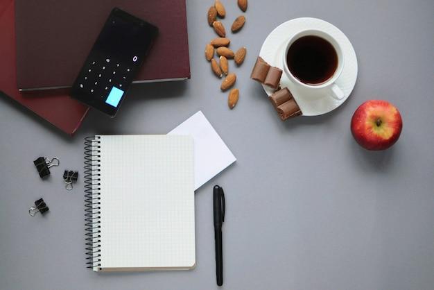 Coisas de estudo. papelaria. aspectos da educação.