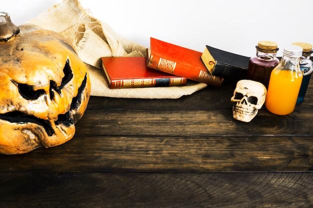 Coisas de halloween na mesa