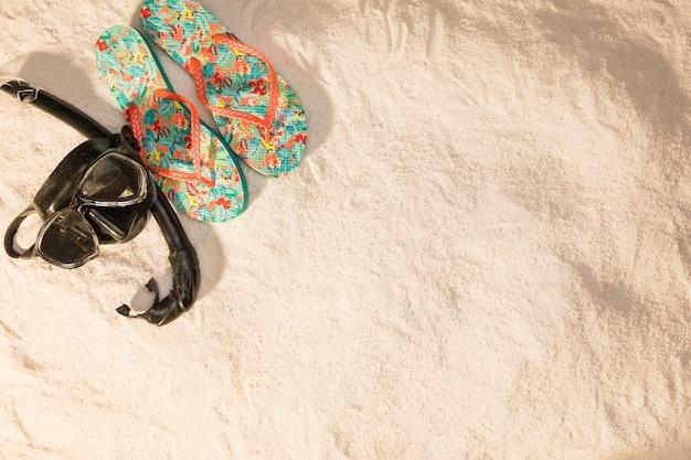 Coisas para férias de praia na areia