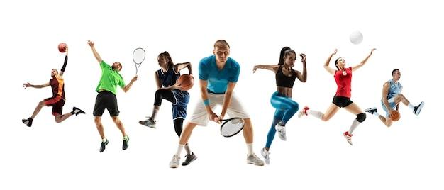 Colagem de diferentes desportistas profissionais, homens e mulheres em ação e movimento isolado no fundo branco. composto por 7 modelos. conceito de esporte, conquistas, competição, campeonato.