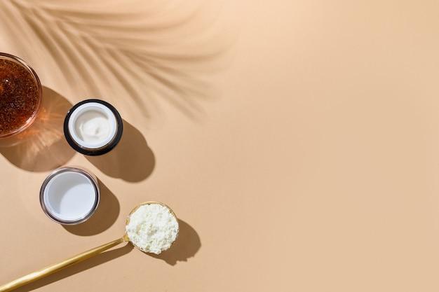 Colágeno, creme, esfoliante de café, acessórios de spa, bem-estar e cuidados cosméticos naturais.