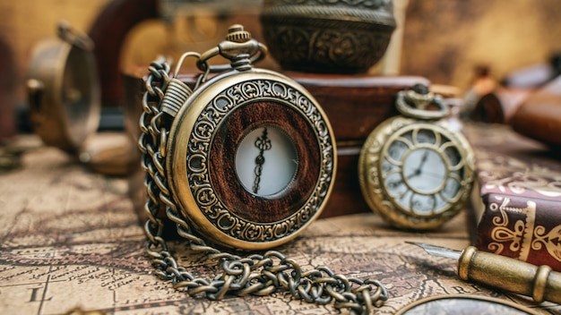 Colar de relógio vintage