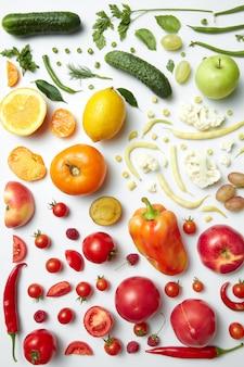 Coleção arco-íris de frutas e vegetais, perda de peso, alimentos para veganos e dieta saudável.