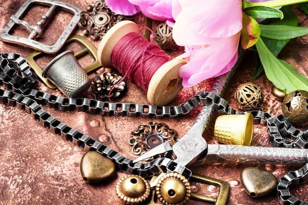 Coleção de bijuteria retrô