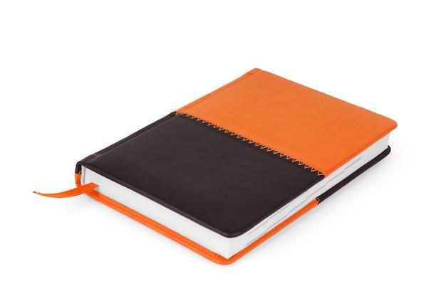 Coleção de caderno espiral laranja isolada no fundo branco