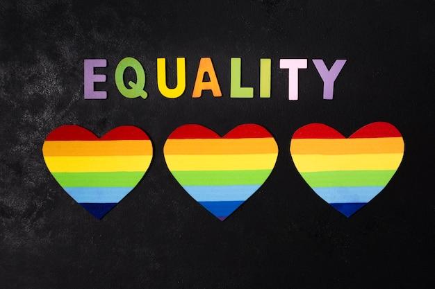 Coleção de corações nas cores do arco-íris