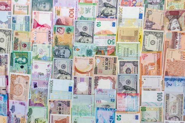 Coleção de dinheiro em linhas verticais para o fundo