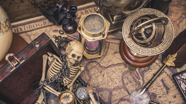 Coleção de esqueleto humano e vintage