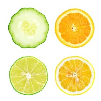 Coleção de fatias de frutas e vegetais frescos