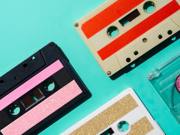 Coleção de fitas cassete multicoloridas
