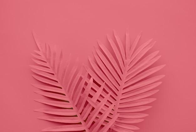 Coleção de folhas tropicais em tons de vermelho e plano