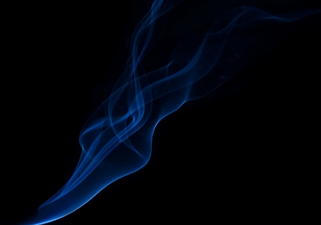 Coleção de fumaça branca em fundo preto