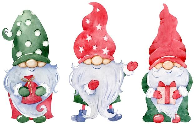 Coleção de gnomo de natal bonitinho. conjunto em aquarela de gnomos de ano novo com presentes em chapéus longos verdes e vermelhos coloridos, isolados no fundo branco.