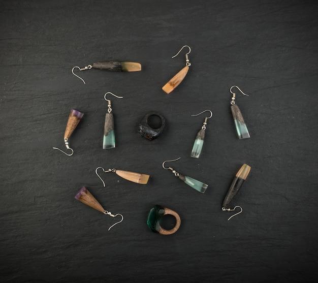 Coleção de jóias e pingente e anéis