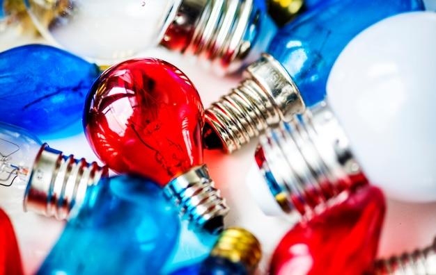 Coleção de lâmpadas coloridas