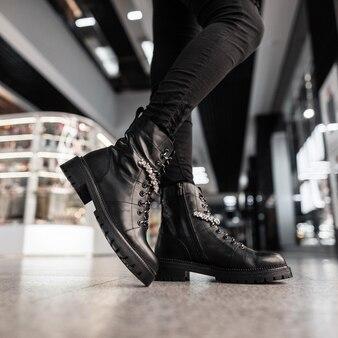 Coleção de moda outono-inverno de botas quentes femininas