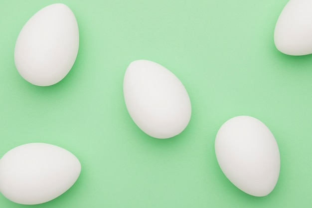 Coleção de ovos brancos de vista superior