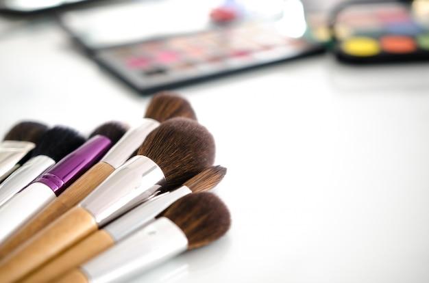 Coleção de paletas de ferramentas de beleza