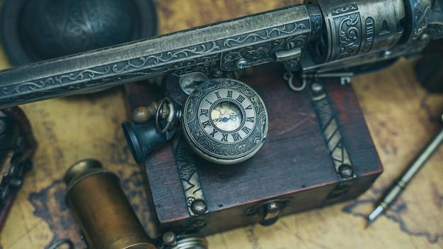 Coleção de relógios de bolso pirata