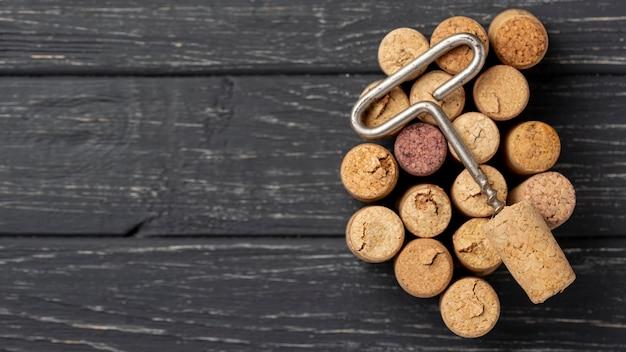 Coleção de rolhas e rolhas de vinho