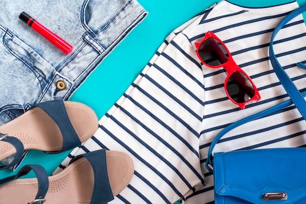 Coleção de roupas femininas de verão tema mar