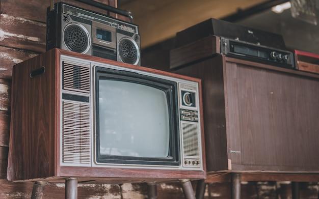 Coleção de televisão antiga