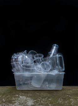 Coleção de utensílios de mesa de plástico utensílios de fundo preto branco